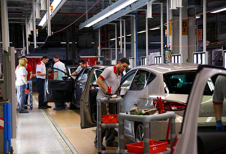 fabrica de autos seat