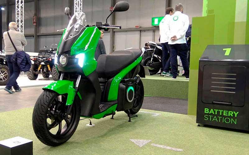nueva moto 2020