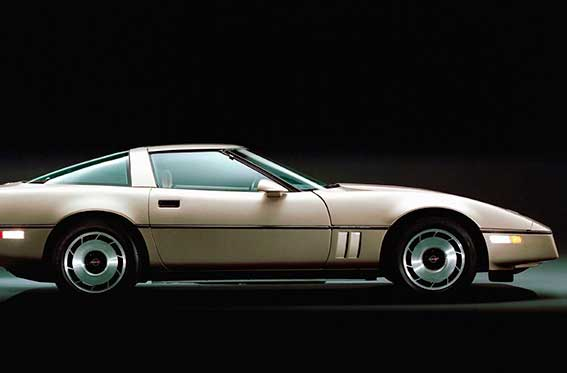 auto deportivo gris
