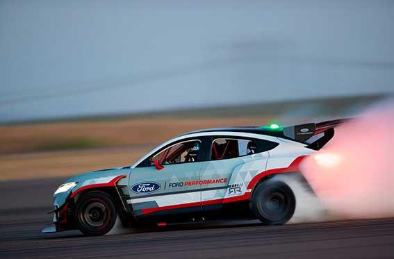 nuevo ford mustang de carreras